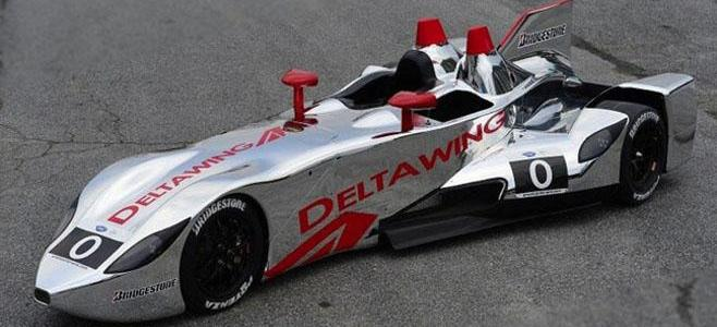 DELTA WING CHEQURED FLAG